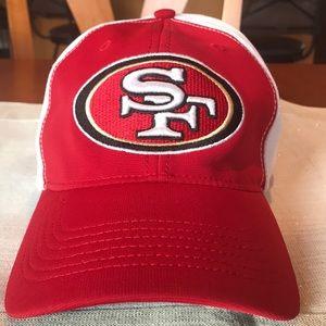 49ers Hat Flex Draft Day 2014 L/XL Red bill w/wht
